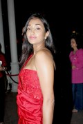Джия Хан (Jiah Khan) в красном платье