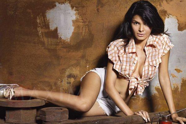 фото индийских голых актрис